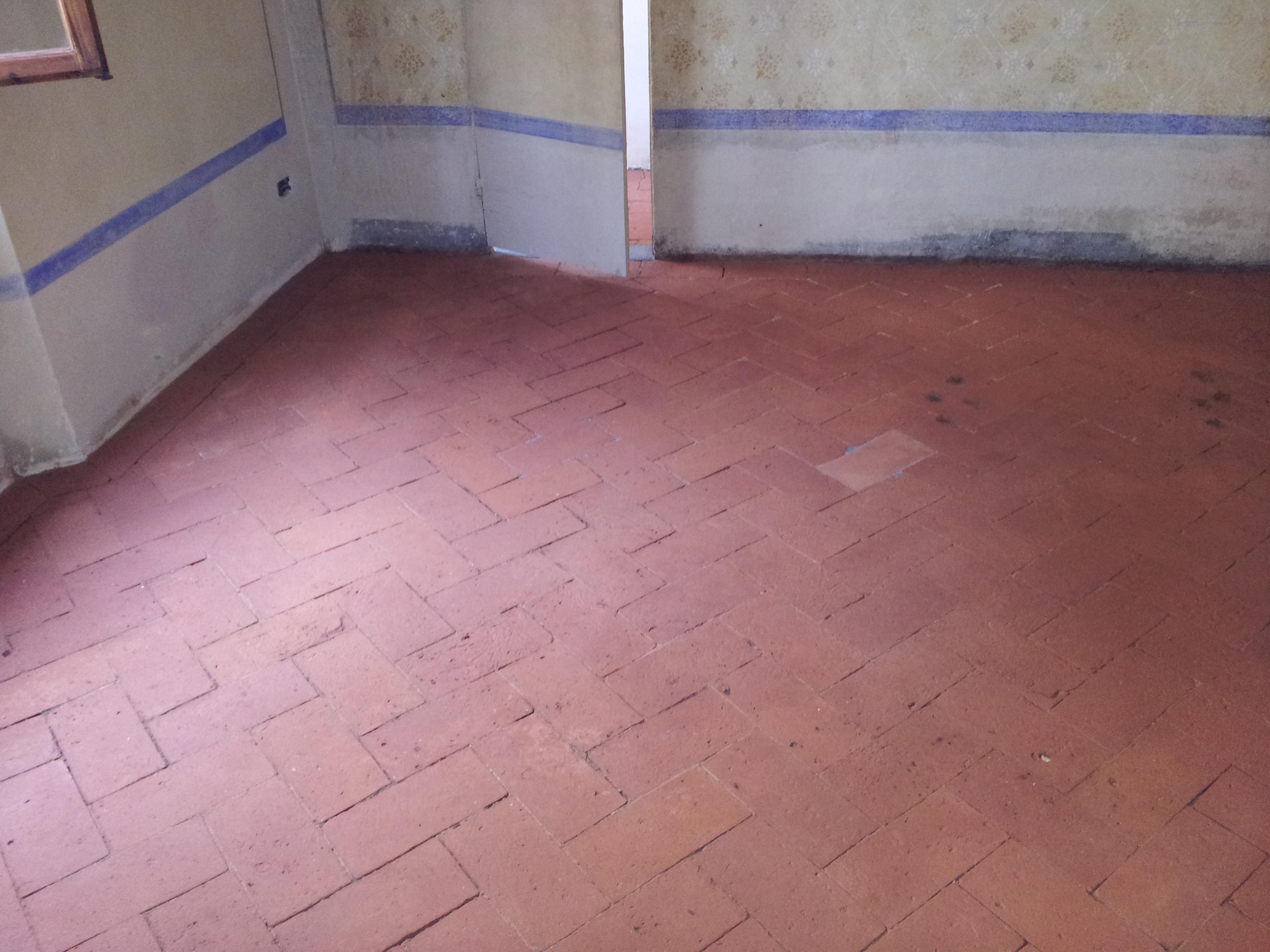 Pavimenti In Cotto Fatto A Mano : Recupero pavimento in cotto fatto a mano antico piastrellista